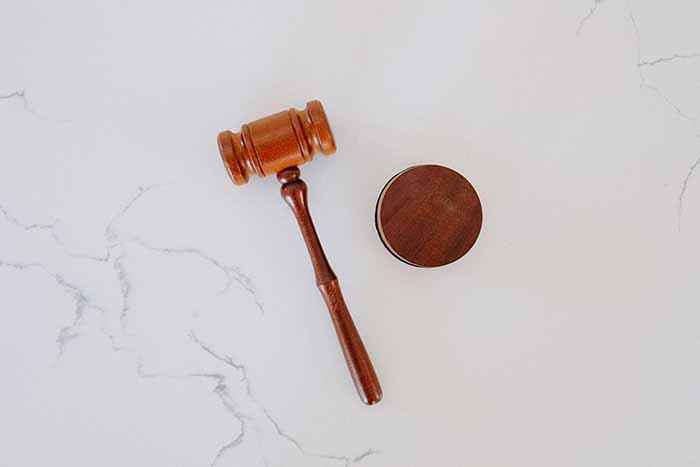 judge-court-hammer