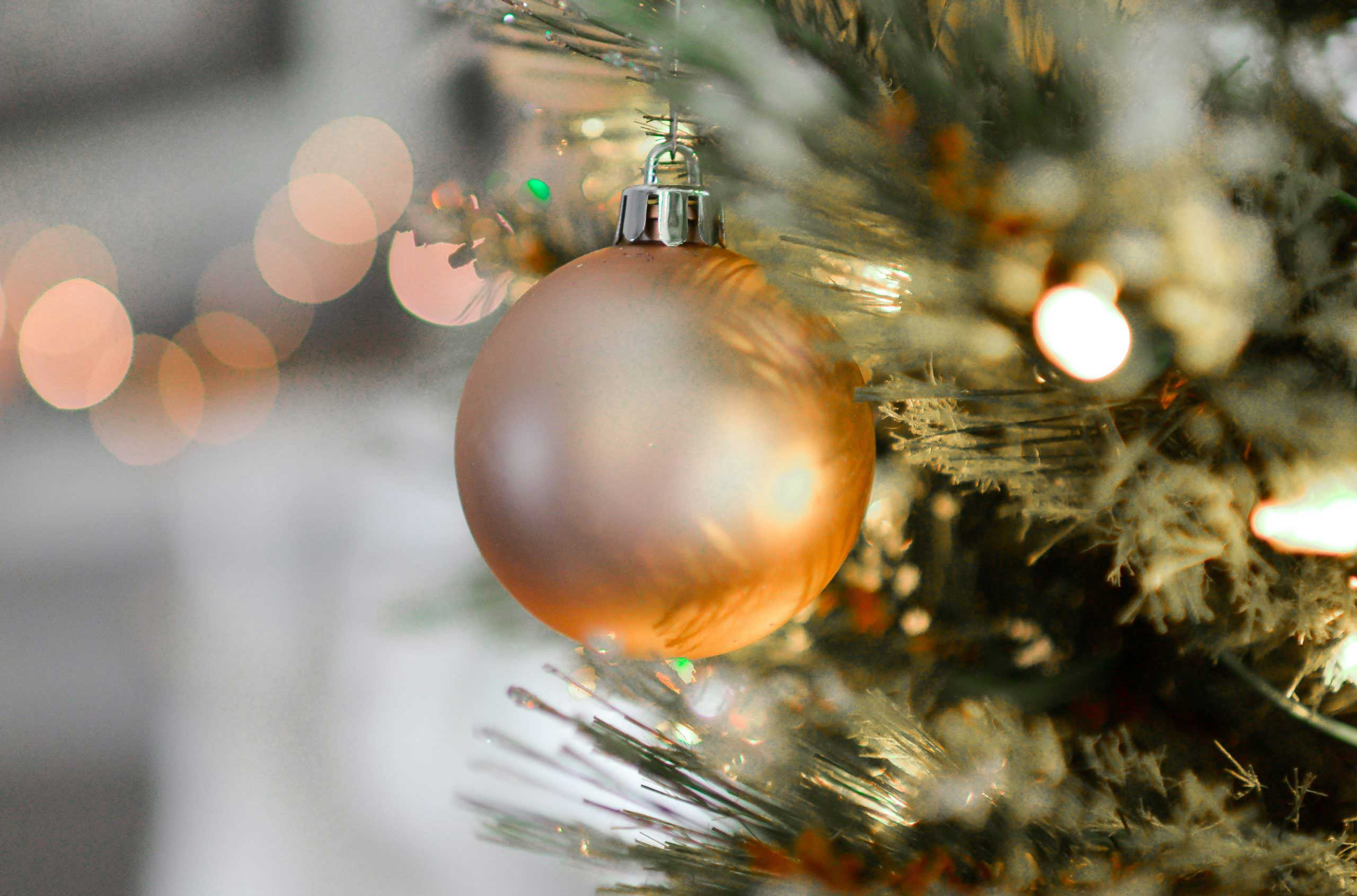 decoration-on-christmas-tree